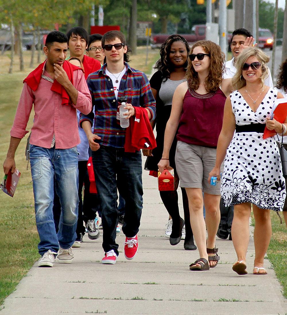 Students walking at Brock